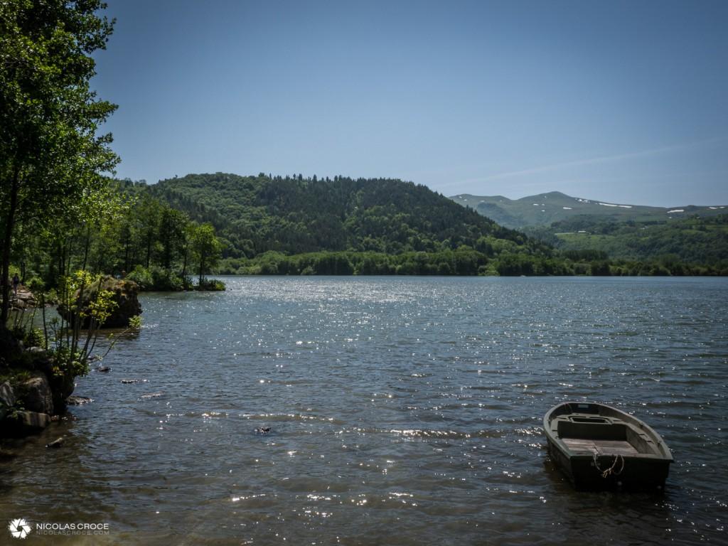 Une barque sur le Lac Chambon